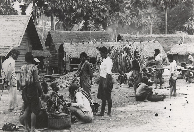 The market in Siem Reap - Picture taken between 1921 and 1935