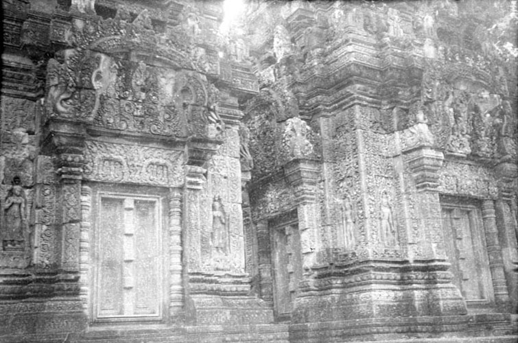historic picture of Banteay Srei temple
