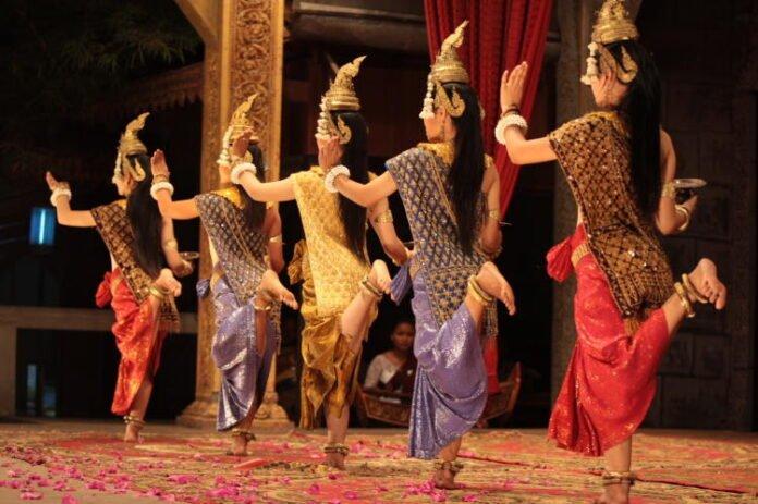 Apsara Dance Performance in Siem Reap
