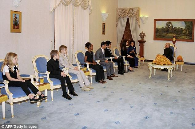 Angelina and children meeting King Norodom Sihamoni