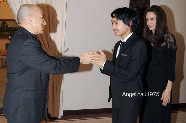 Angelina and Maddox Jolie Pitt meeting King Norodom Sihamoni