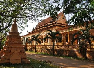 Wat Damnak is Siem Reap's biggest Pagoda.