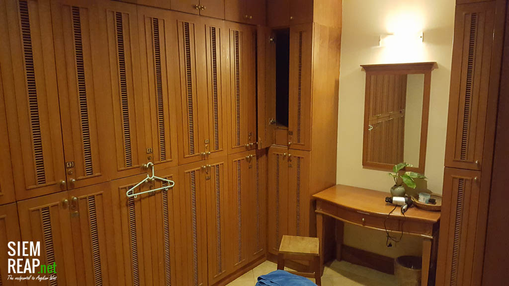 Changing room with lockers at Century Hotel