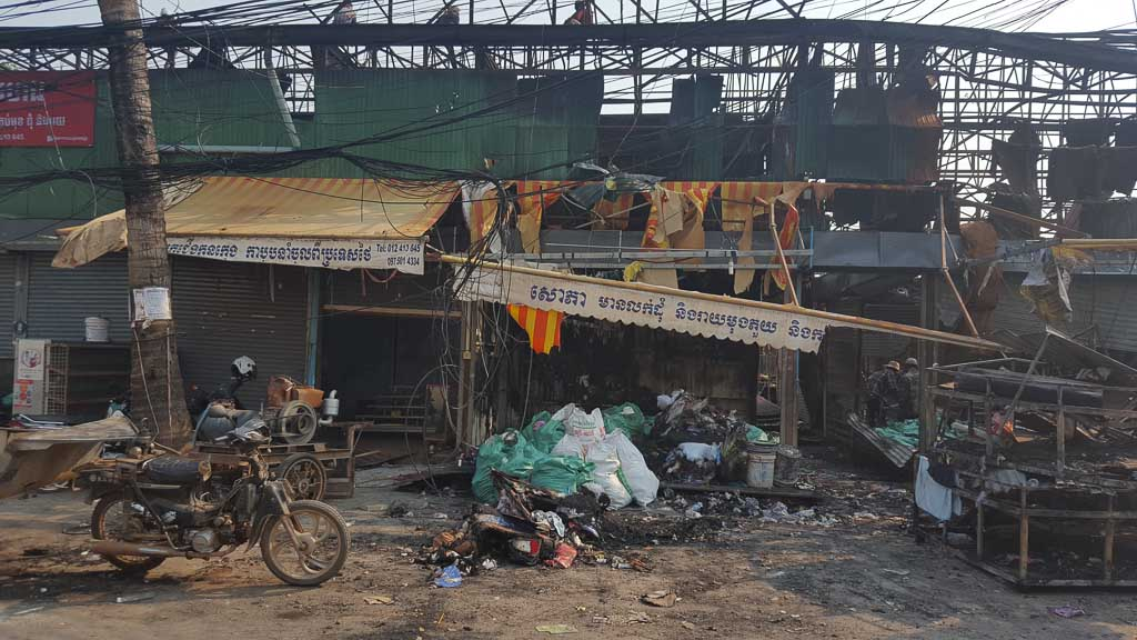 fire at wat por lanka market 2017