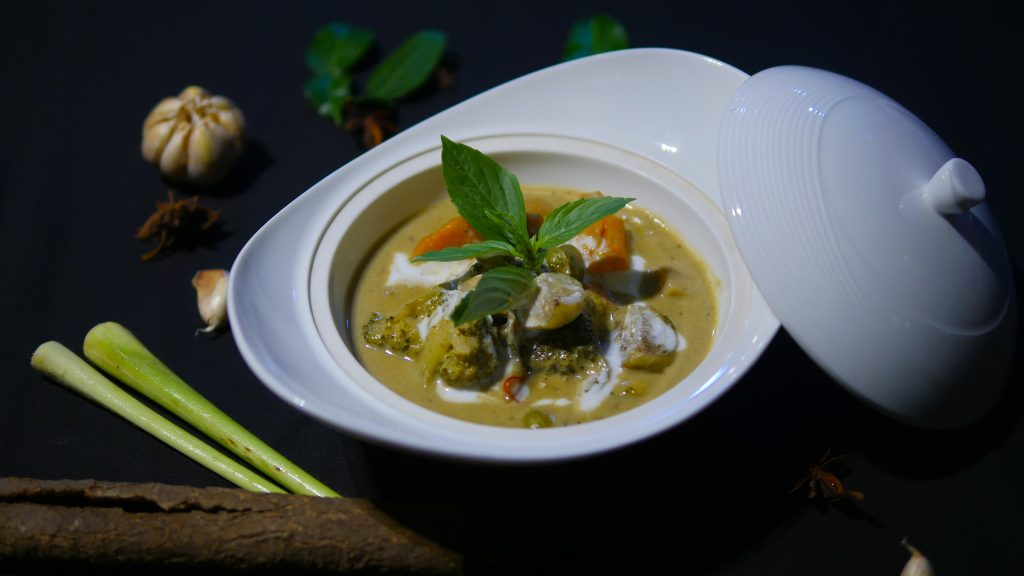 Vegetarian Khmer Curry - Hunkaar Table & Lounge | Siemreap.net